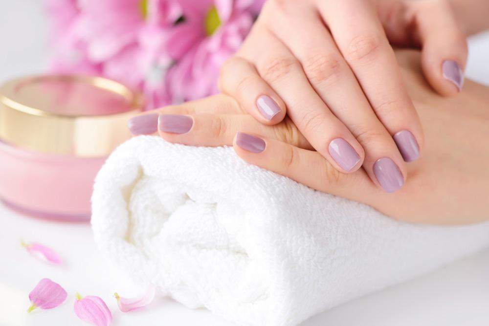 manicure-trattamenti-estetista-vercelli