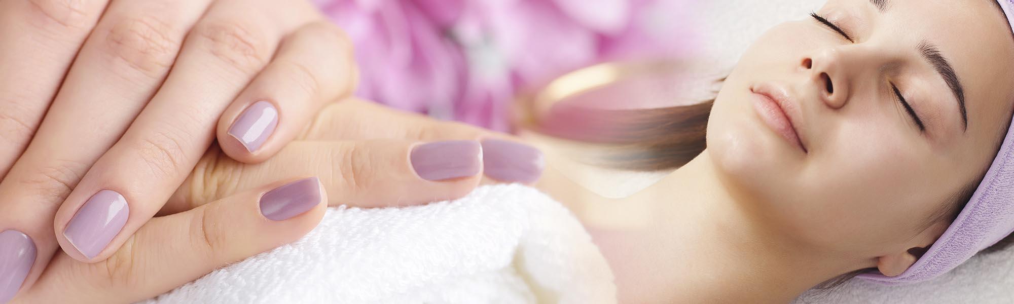 ricostruzione unghie manicure pedicure centro estetico vercelli il ciuffo